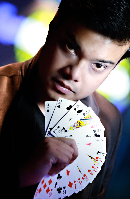 Close up Corporate Entertainer Magician Sourav Burman