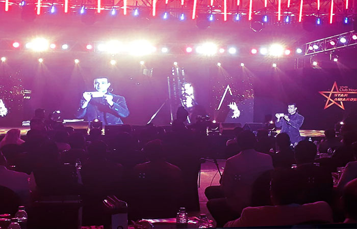 Top corporate entertainer in India Sourav Burman performing at Vivo Star Awards